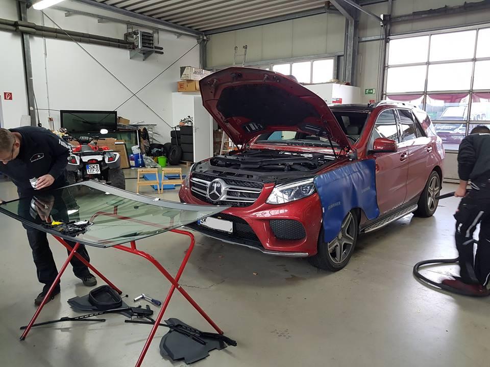 Mercedes Frontscheibe mit Kamerakalibrierung