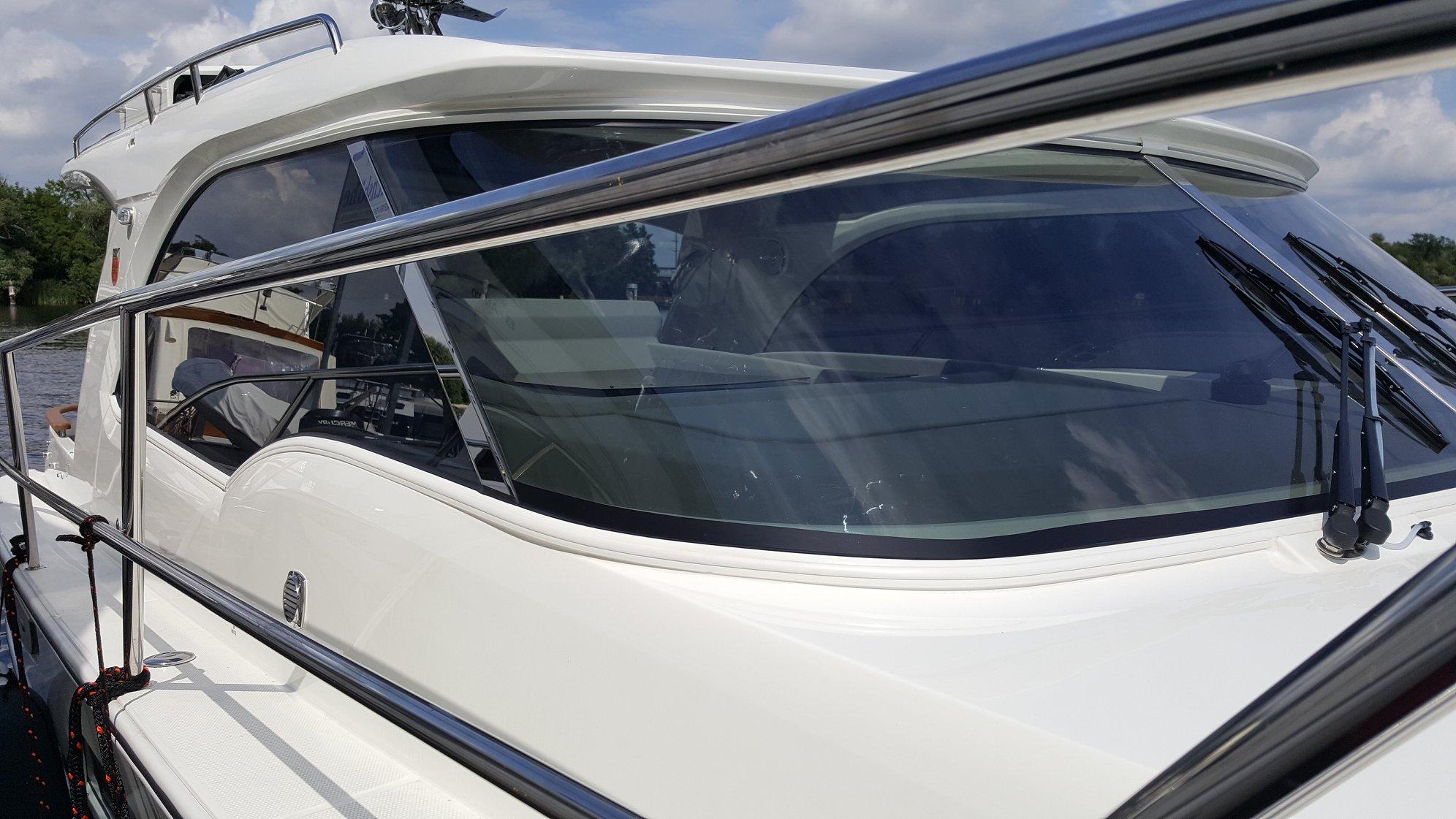 Sonnenschutz am Boot