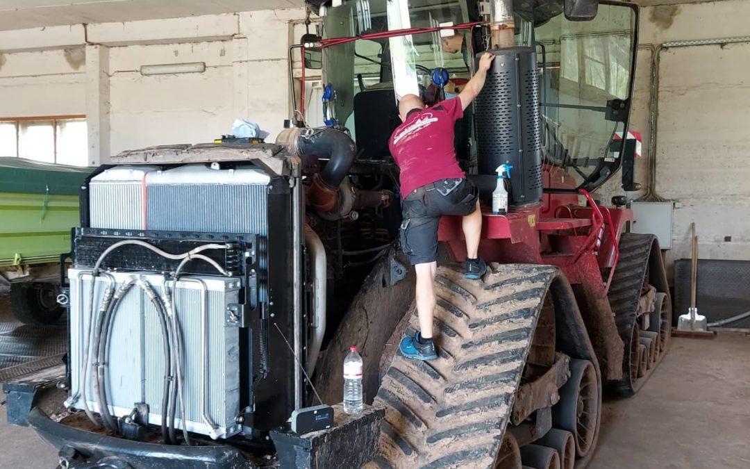 Traktor mit Raupenfahrwerk